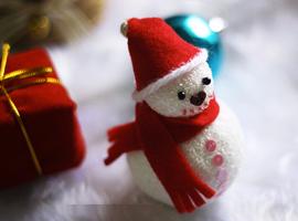 Снеговик из пенопласта