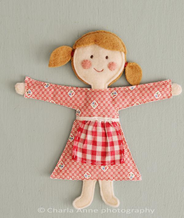 Как сделать куклу из картона своими руками видео