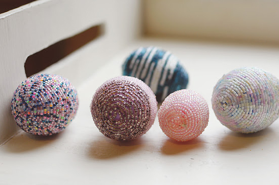 Пасхальные яйца из бисера - отличный подарок к светлому и доброму празднику Пасхи.  Предлагаем родителям вместе с...