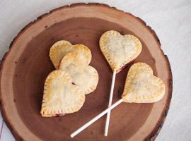 Печенье-леденец в форме сердечка