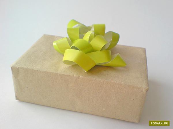 зеленый на коробке