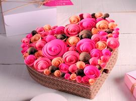 Коробочка-сердце с розами