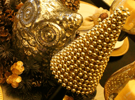 Ёлка из золотых бус