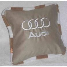 Бежевая подушка Audi с кантом