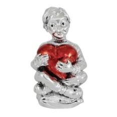 Статуэтка Мальчик с красным сердцем