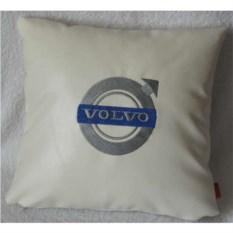 Белая подушка из искусственной кожи Volvo