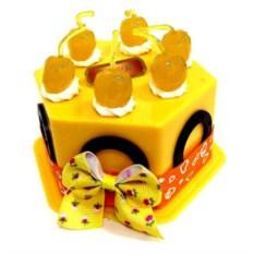 Копилка Торт желтого цвета