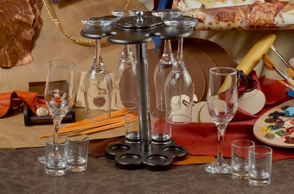 Мини-бар (6 бокалов под шампанское, 6 рюмок)