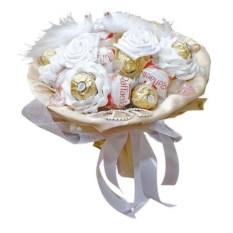 Букет из конфет Молодоженам