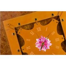 Часы из кожи Яркий цветок (коричневато-жёлтый)