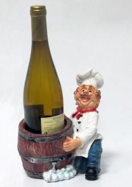 Подставка для вина «Повар держит бутылку в бочке»