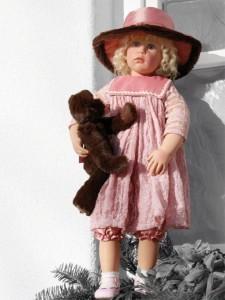 Коллекционная фарфоровая кукла Veronika