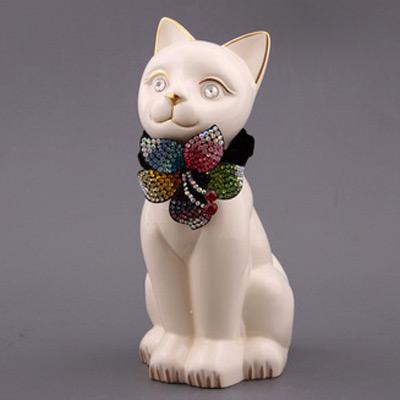Фигурка «Белая кошка»