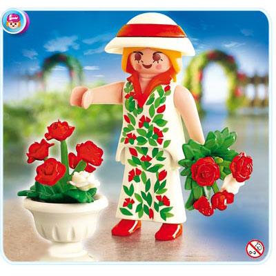 Садовница с розами