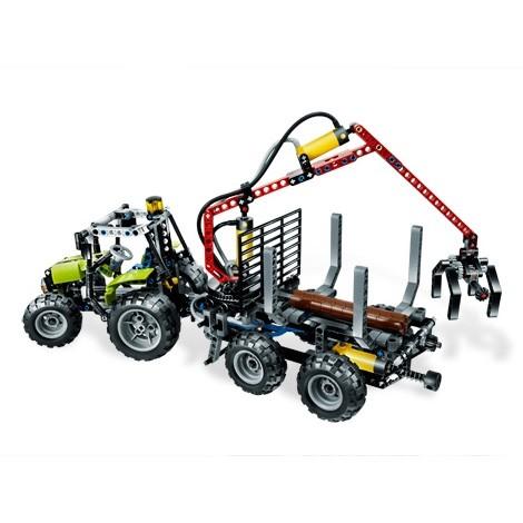 Lego Technic «Трактор с лесопогрузчиком»
