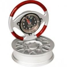 Часы в виде руля на автомобильном диске