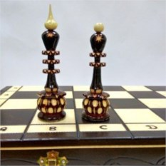 Деревянные резные шахматы Элегантные