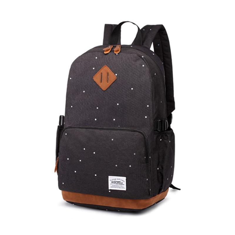 Симпатичный черный рюкзак
