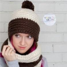 Комплект из шапки и шарфа шоколадно-молочного цвета