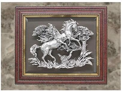 Посеребренное панно Резвые кони