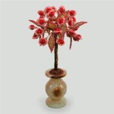 Дерево надежды из красного коралла в вазочке из оникса