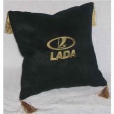 Черная подушка с золотыми кистями Lada