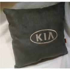 Темно-серая с белой вышивкой подушка Kia