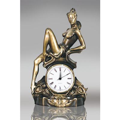 Часы «Акира»