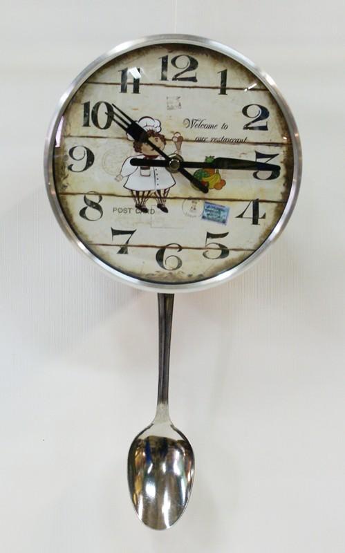 Часы кухонные с маятником в виде ложки