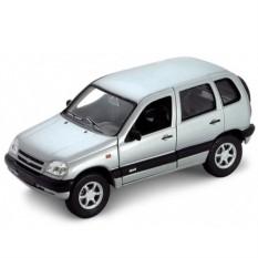 Модель машины Welly Chevrolet Niva