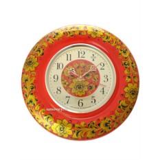 Часы с художественной росписью Кудрина на красном фоне