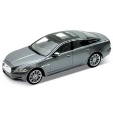Модель машины Jaguar XJ от Welly