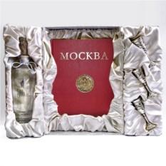 Подарочный набор с серебряными рюмками «Москва-Кремль»