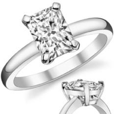 Золотое кольцо с камнем муассанитом