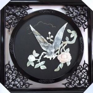 Картина Орёл и цветы из ценного природного нефрита