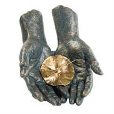 Скульптура Время в твоих руках