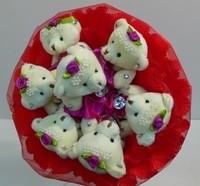 Букет из игрушек Плюшевые мишки в красном
