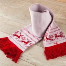 Женский шарф Северные олени (красный рисунок)