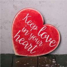 Деревянное сердце с цитатой