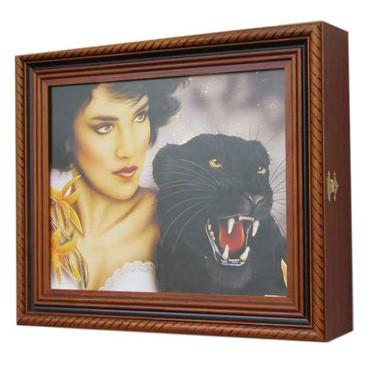 Ключница настенная «Девушка с пантерой»