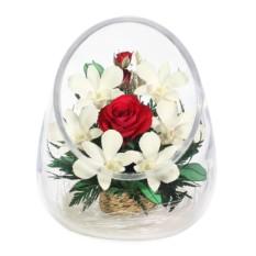 Цветочная композиция из орхидей и роз