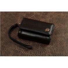 Черный кожаный чехол для фотоаппарата