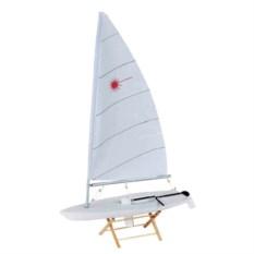 Модель яхты Laser