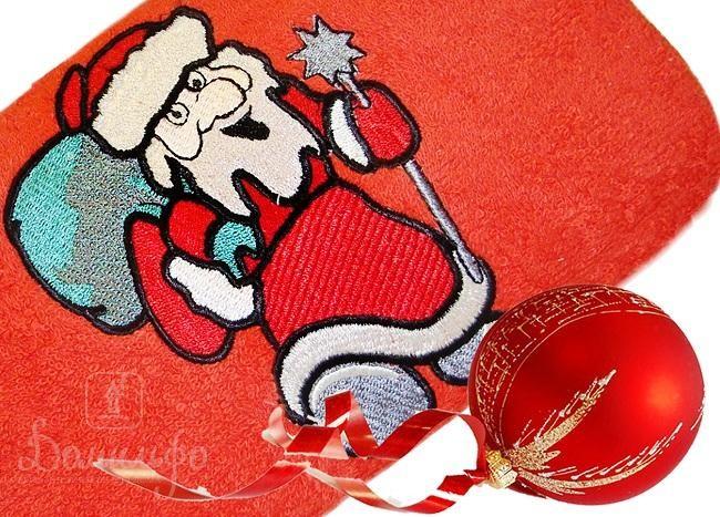 Полотенце с вышивкой Santa Claus, красное