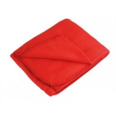 Красный флисовый плед в рюкзаке