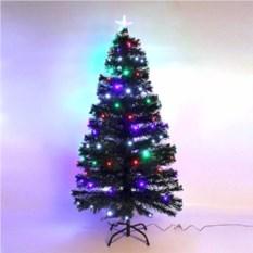 Искусственная елка со светящимися шариками