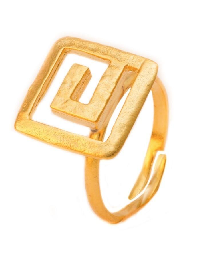 Кольцо с золотистым опылением
