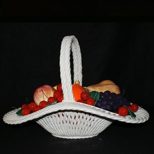 Корзина овальная с фруктами и вишнями