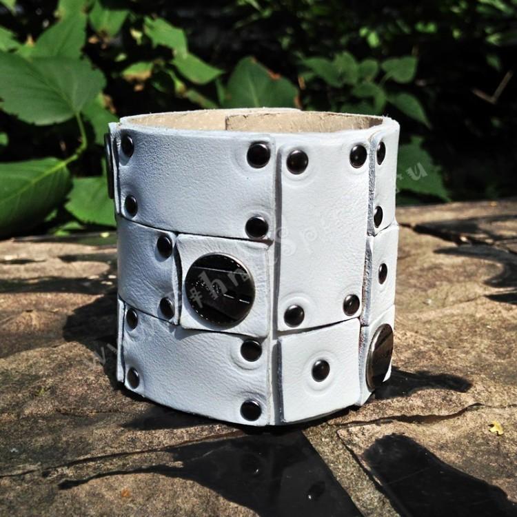 Авторский белый кожаный браслет в стиле Military