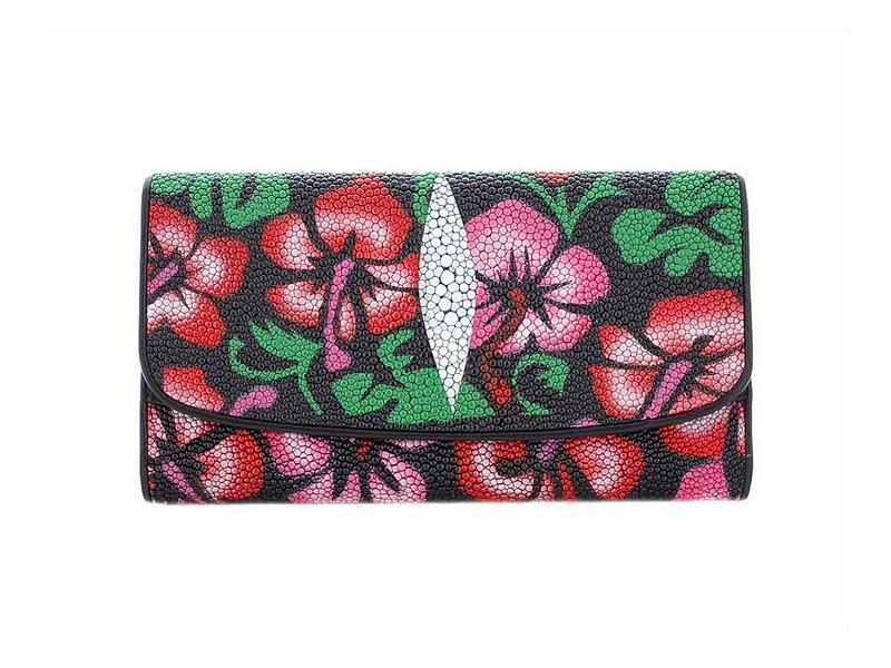 Женский кошелек из кожи ската, рисунок из цветов